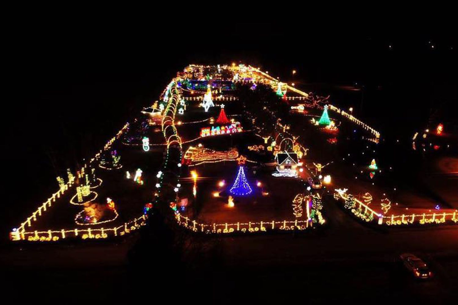 Drive Thru Christmas Light Displays Near Me.Where To See Christmas Lights In Nashville