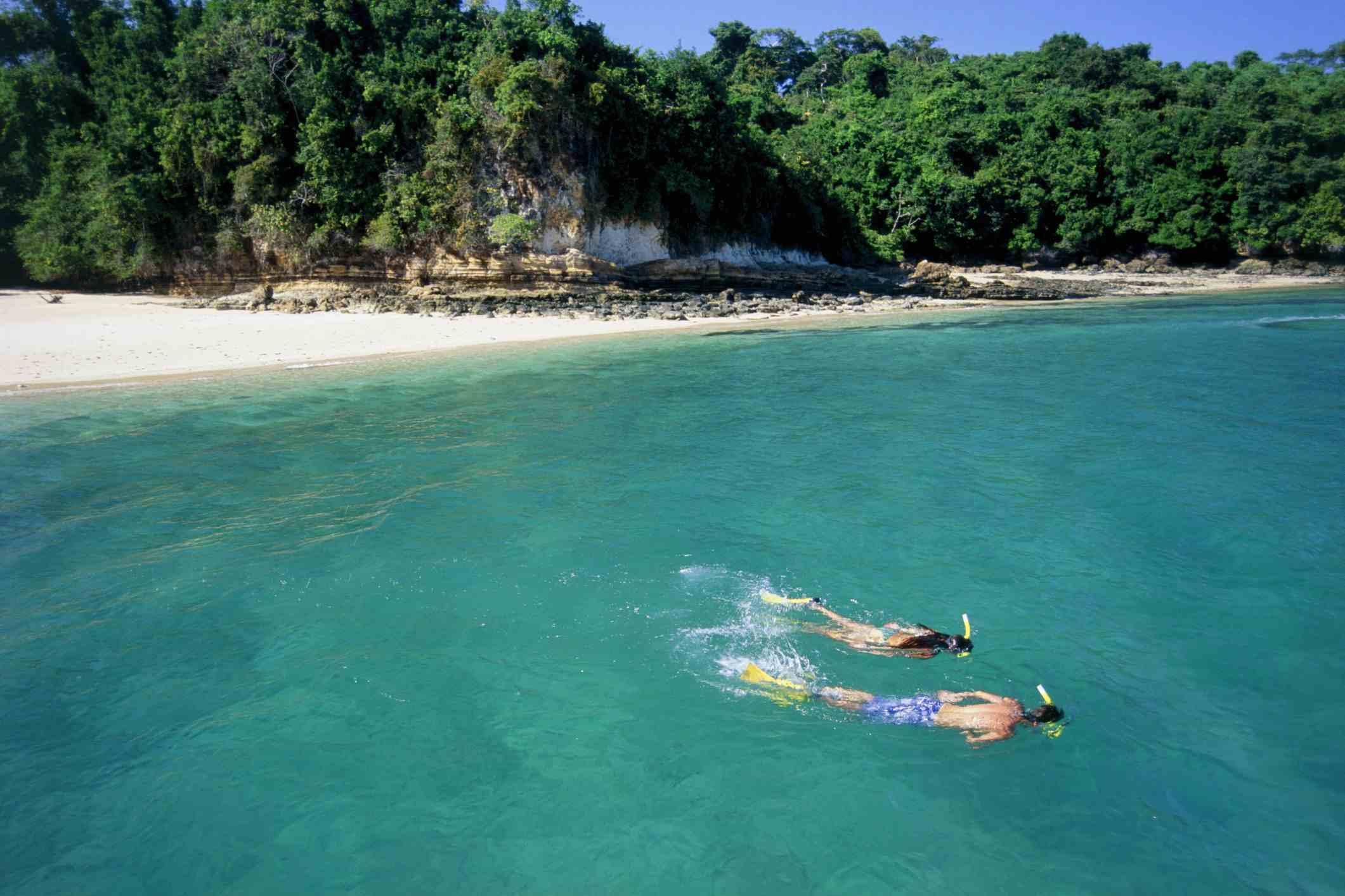 Couple snorkeling, Contadora Island, Panama