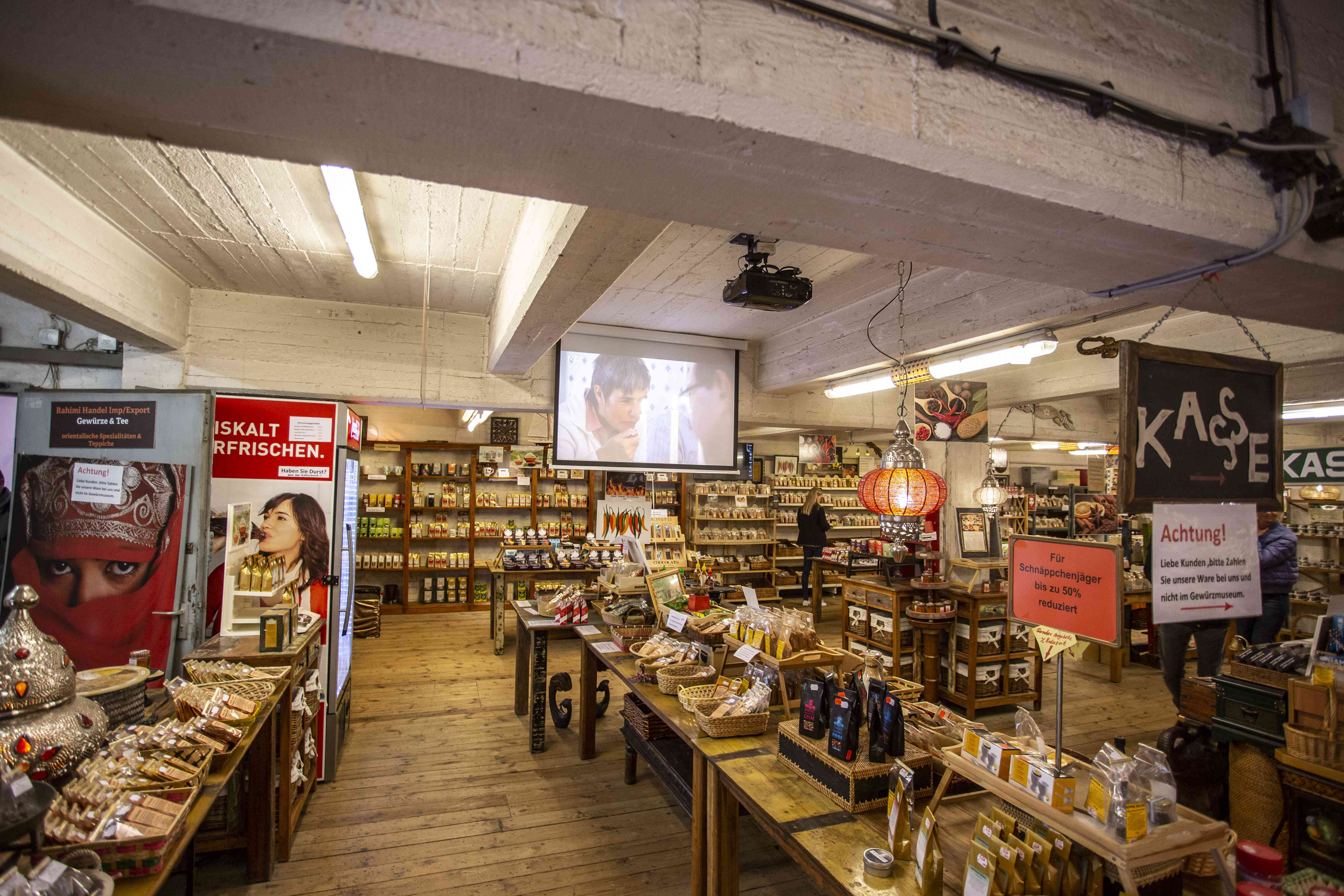 INside Spice Museum gift shop