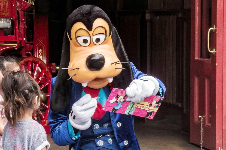 Goofy Signing Autographs at Disneyland