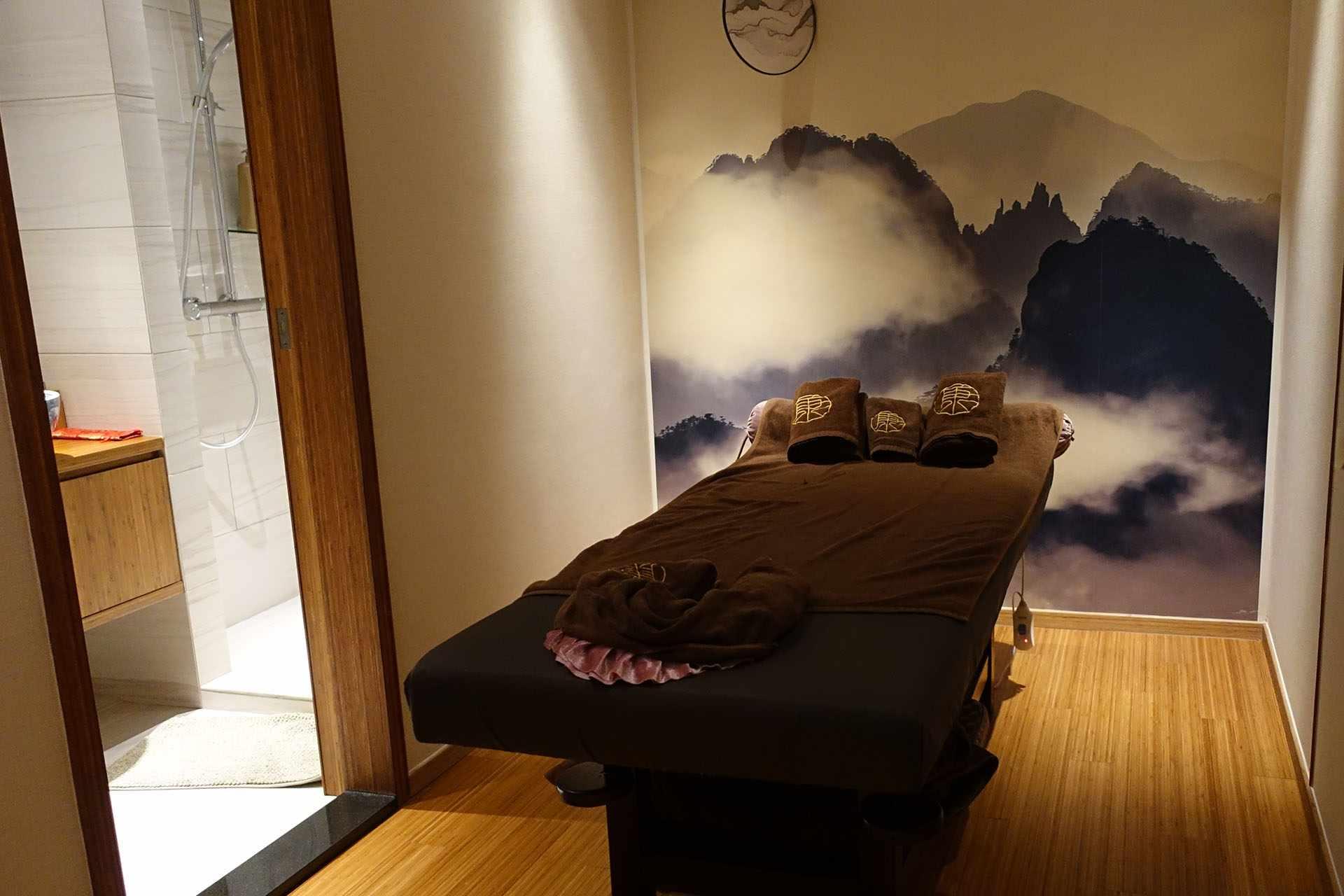 Therapy room, Hong Wo Lok