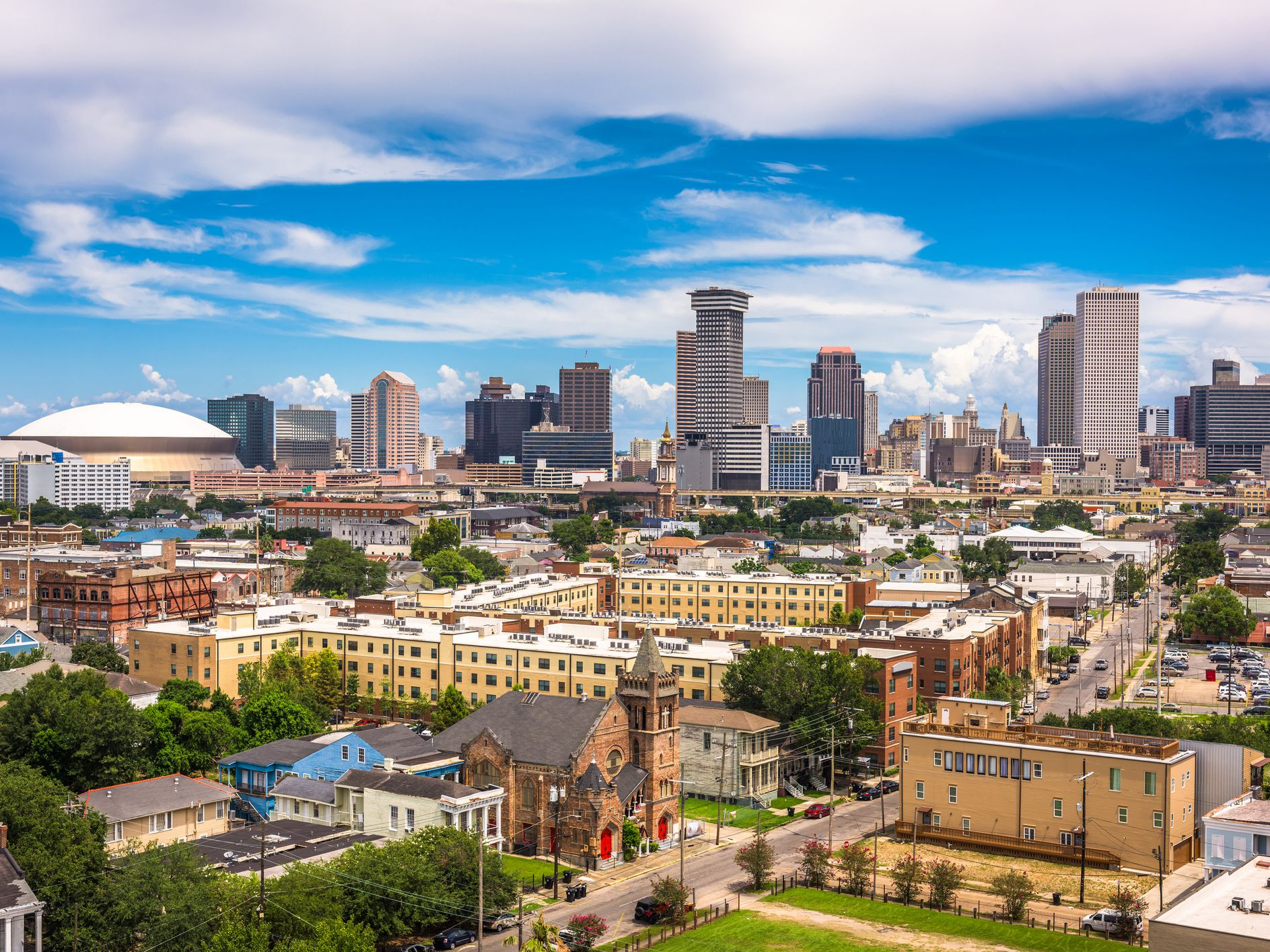 10 Neighborhoods You Need to Know in New Orleans