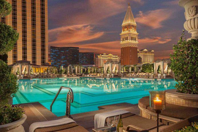 Grainy picture of the Venetian Las Vegas Pool