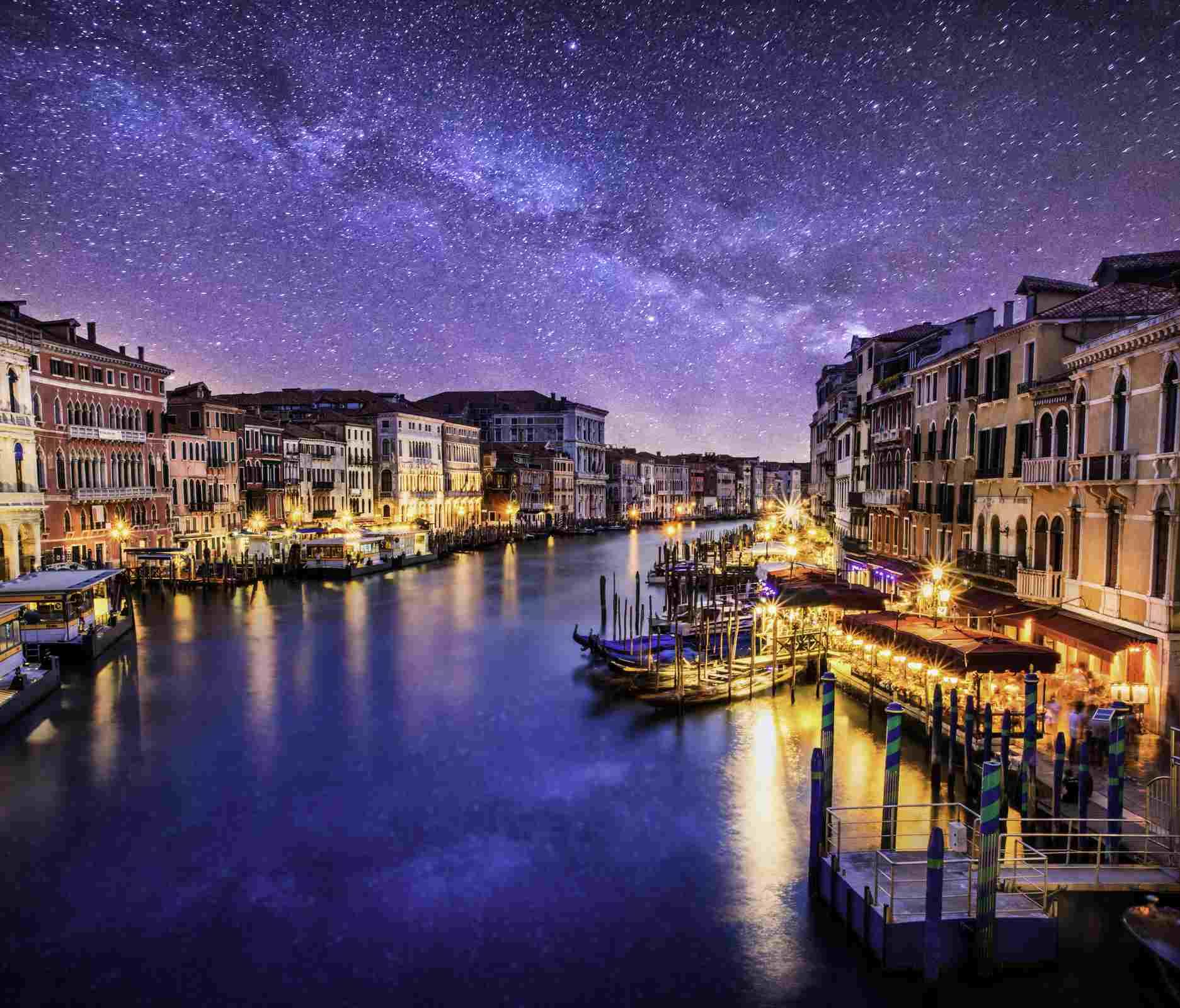Gondola Ride and Dinner in Venice