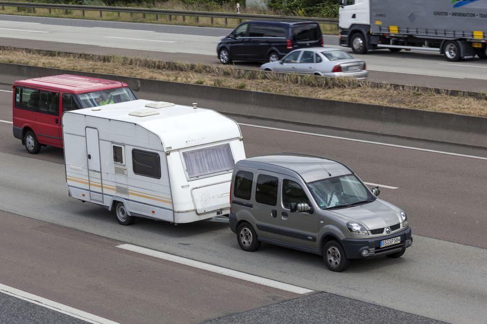 Renault Kangoo towing a caravan