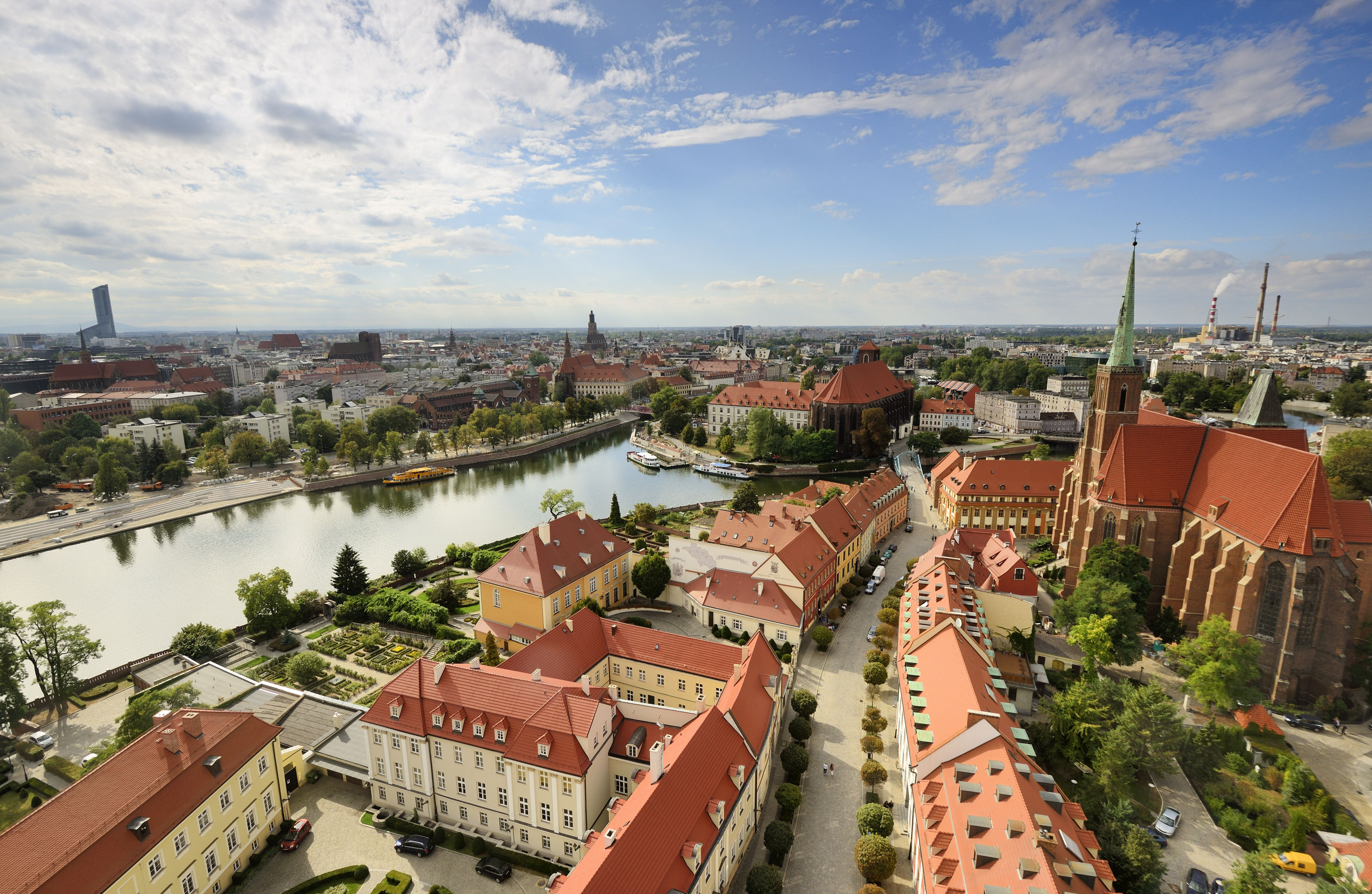 Poland, Lower Silesia, Wroclaw, Ostrow Tumski district (Cathedral island) and Oder river