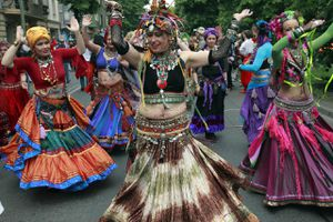 Women bellydancing at the Carnival of Cultures in Berlin