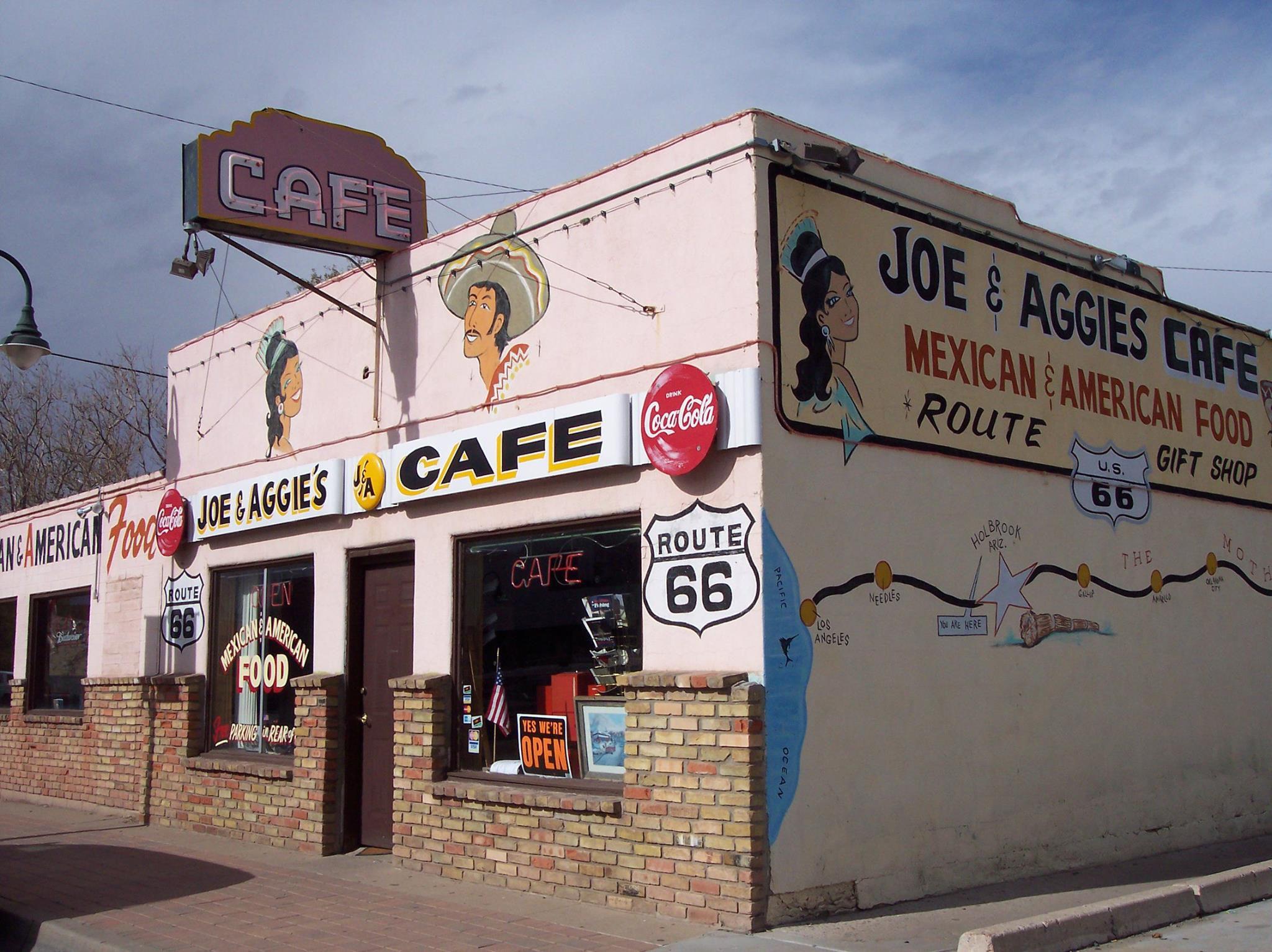 10 Roadside Restaurants Worth Pulling Over For