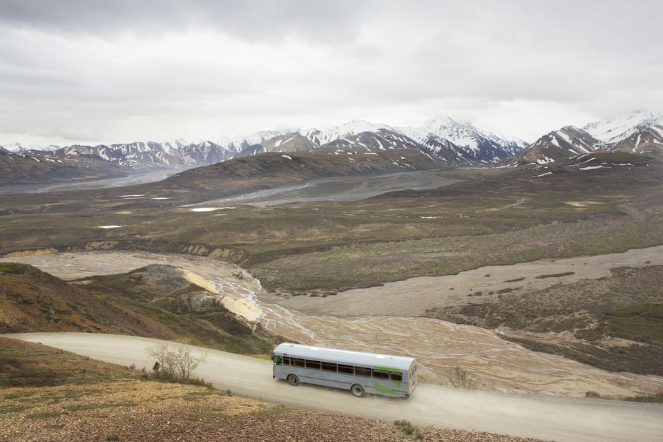 TourBusDenaliSamDiephuisBlendImagesGetty3867x2578.Tour Bus in Denali National Park, Alaska