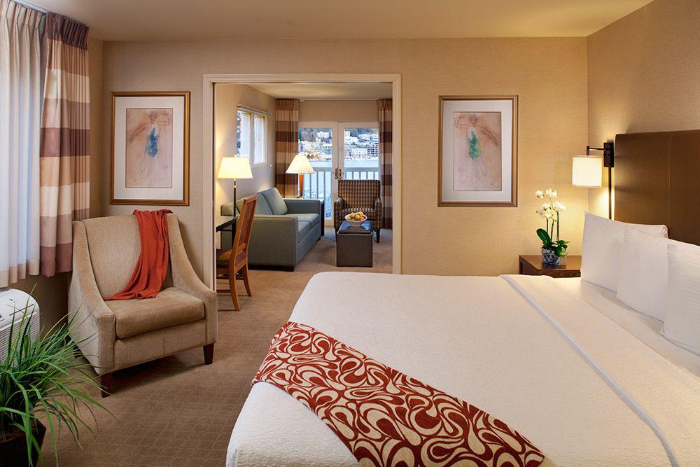 Silver Cloud Hotel King room