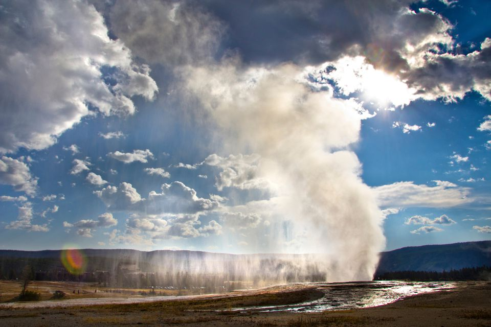 Old-Faithful_Yellowstone_Image-Source_GettyImages.jpg