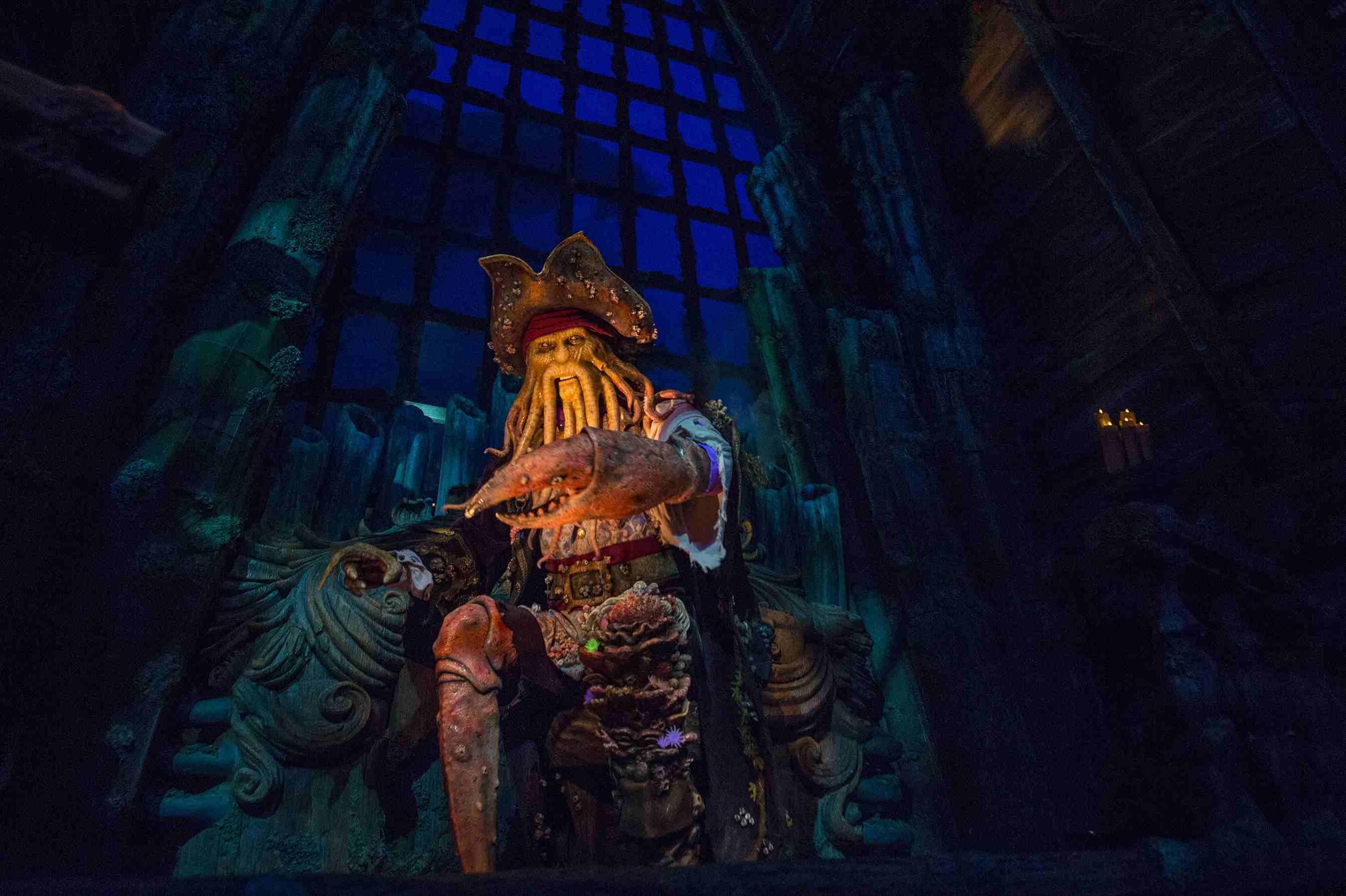 Davy Jones character in Shanghai Disneyland Pirates ride