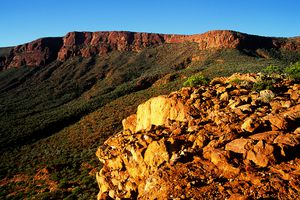 Escarpment on Mt Augustus, Mt Augustus National park, Western Australia.