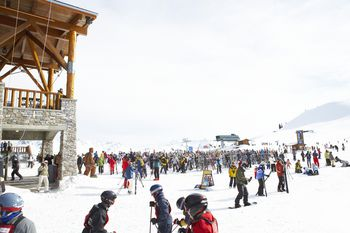 Romantic Winter Getaways For Couples At Ski Resorts