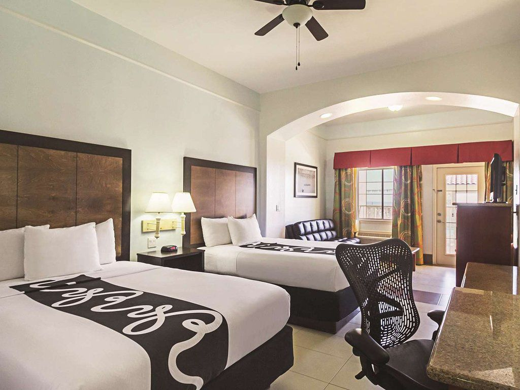 La Quinta Inn & Suites by Wyndham South Padre Island Beach