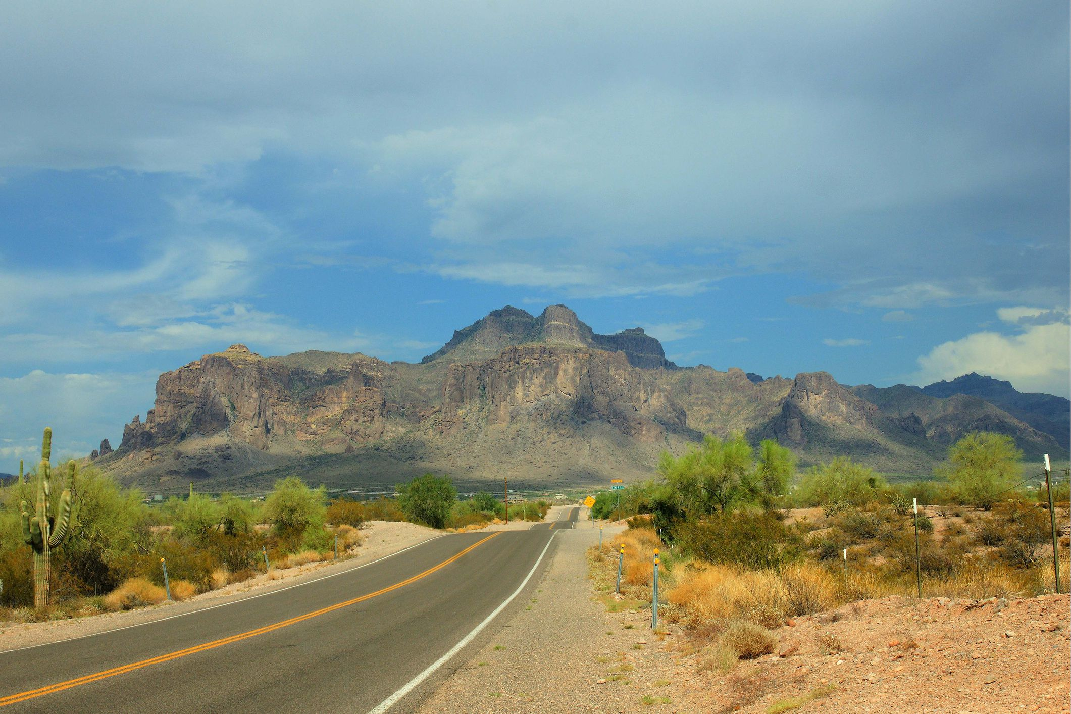 A Scenic Drive on the Apache Trail