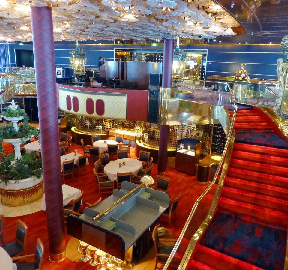 Main dining room on the Holland America ms Maasdam cruise ship