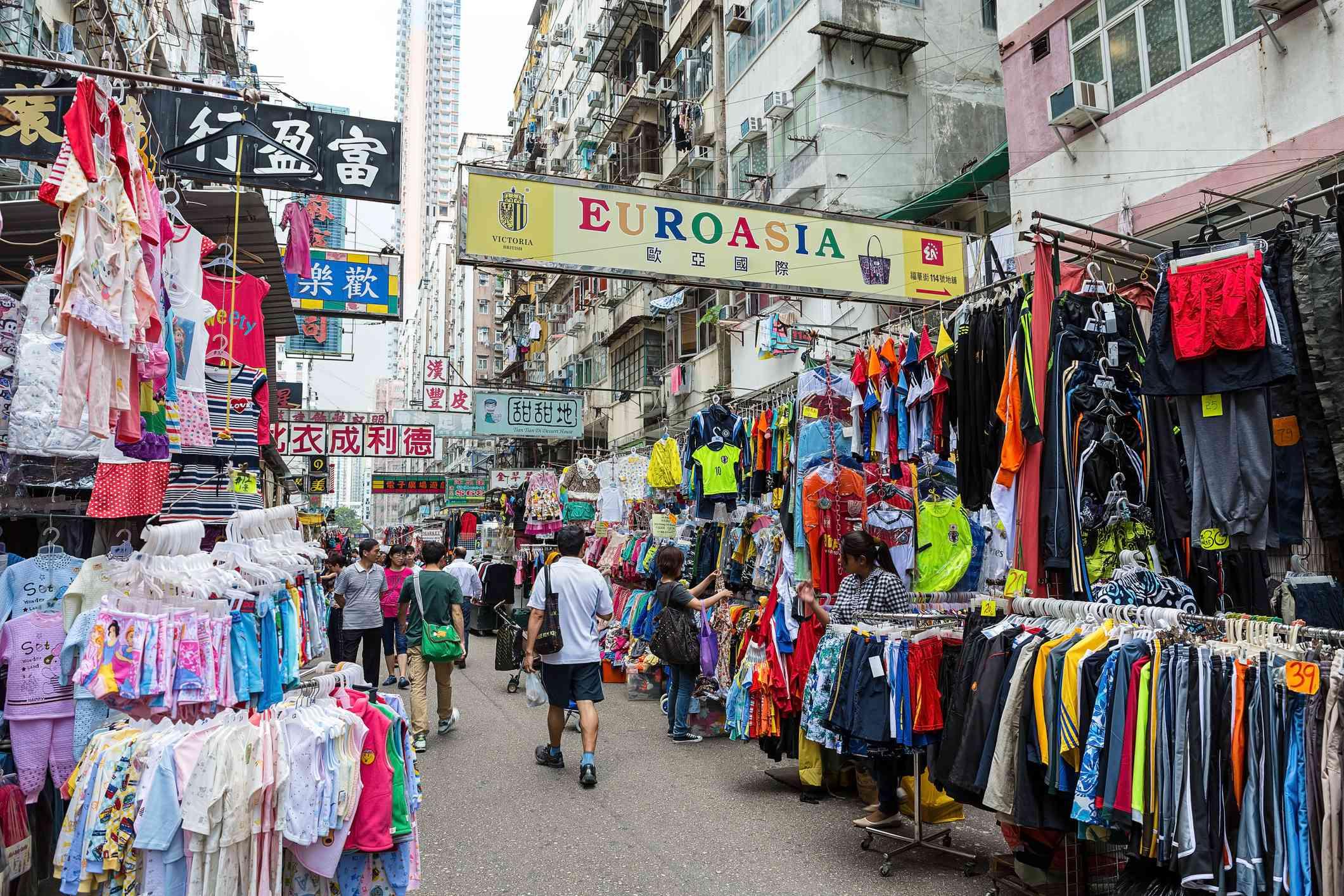 Shopping for Fakes in Hong Kong