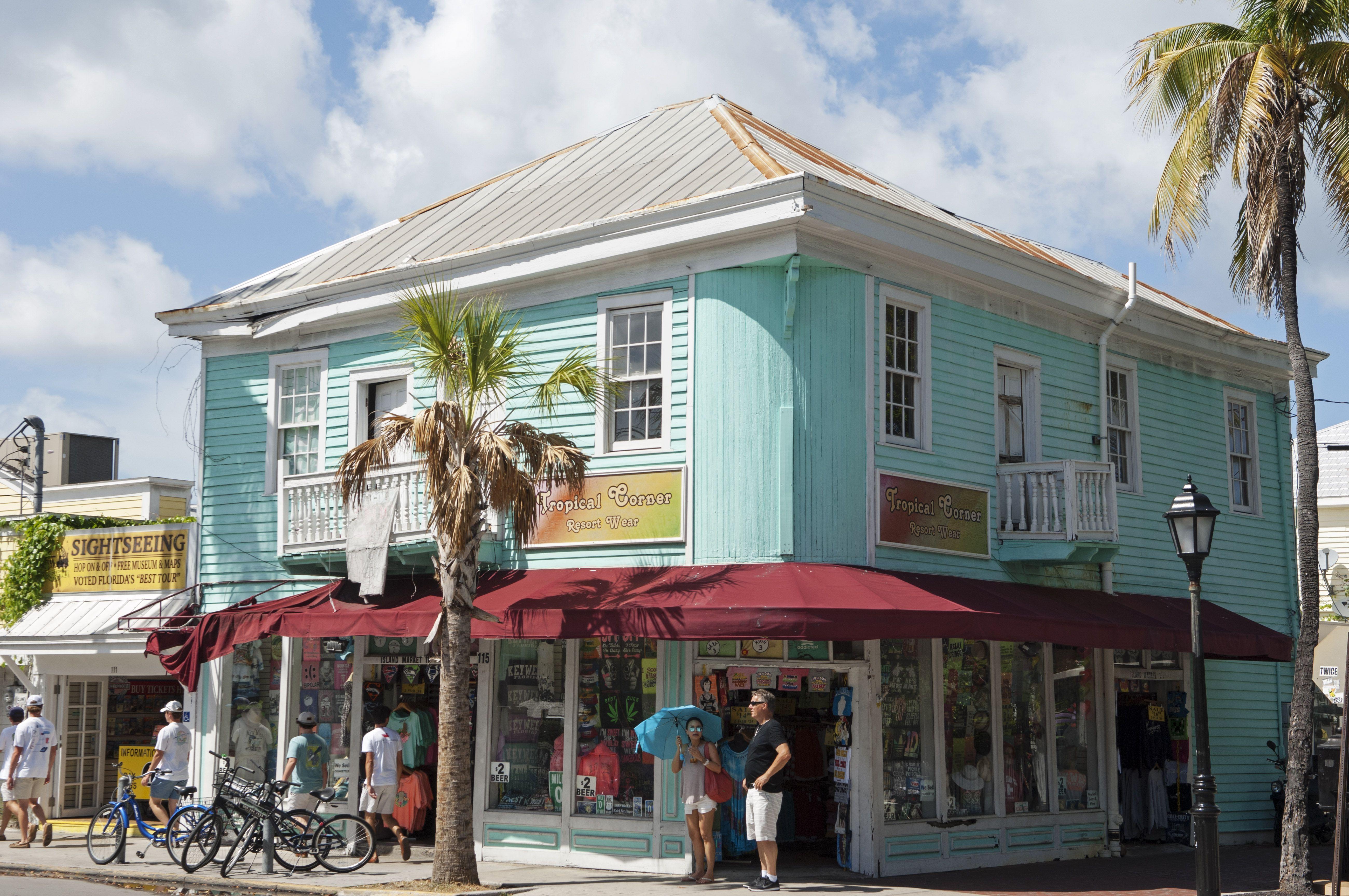 USA, Florida, Key West, Hell gemalte Shop auf der Duval Street