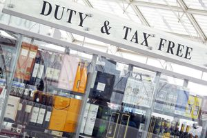 Charles de Gaulle Airport, departures, duty free shop