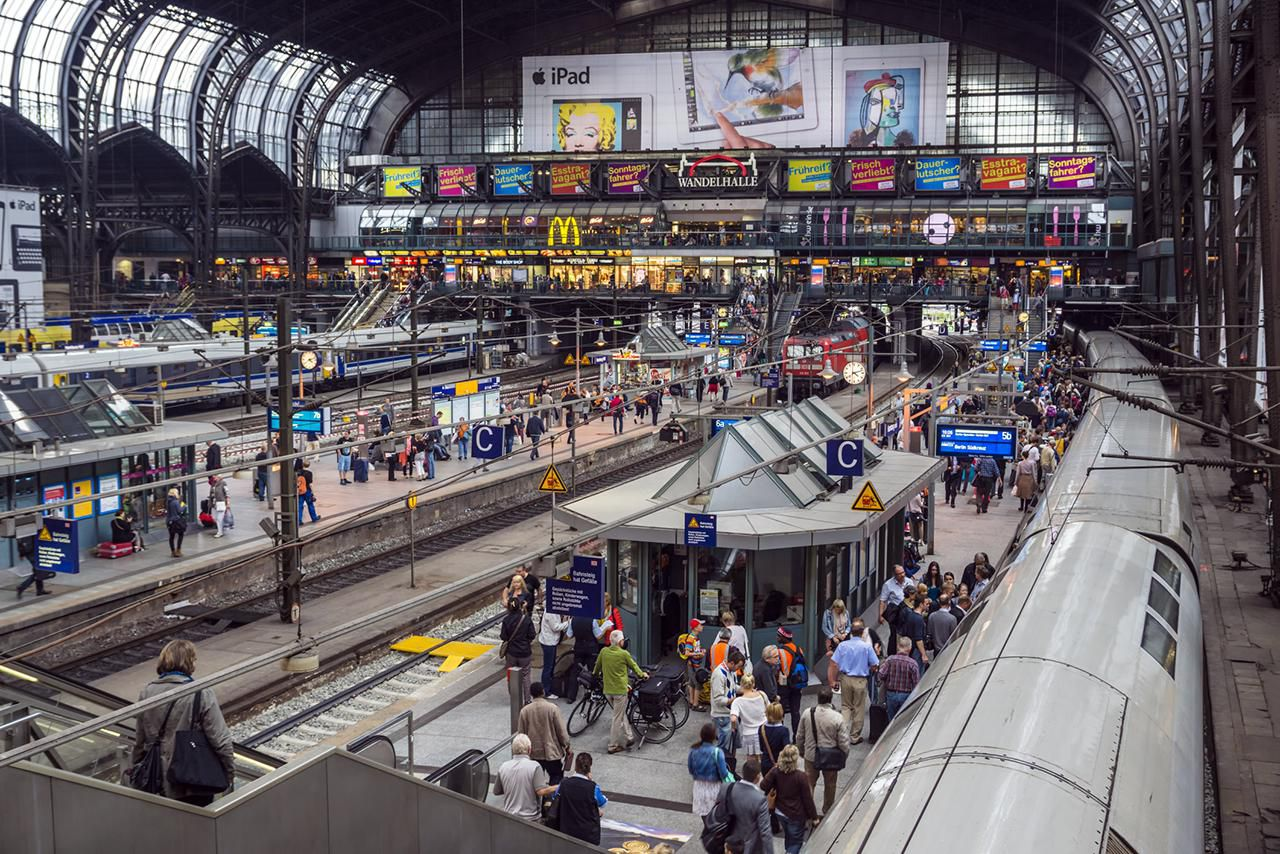 Capital City Auto >> How to Get From Berlin to Hamburg, Germany