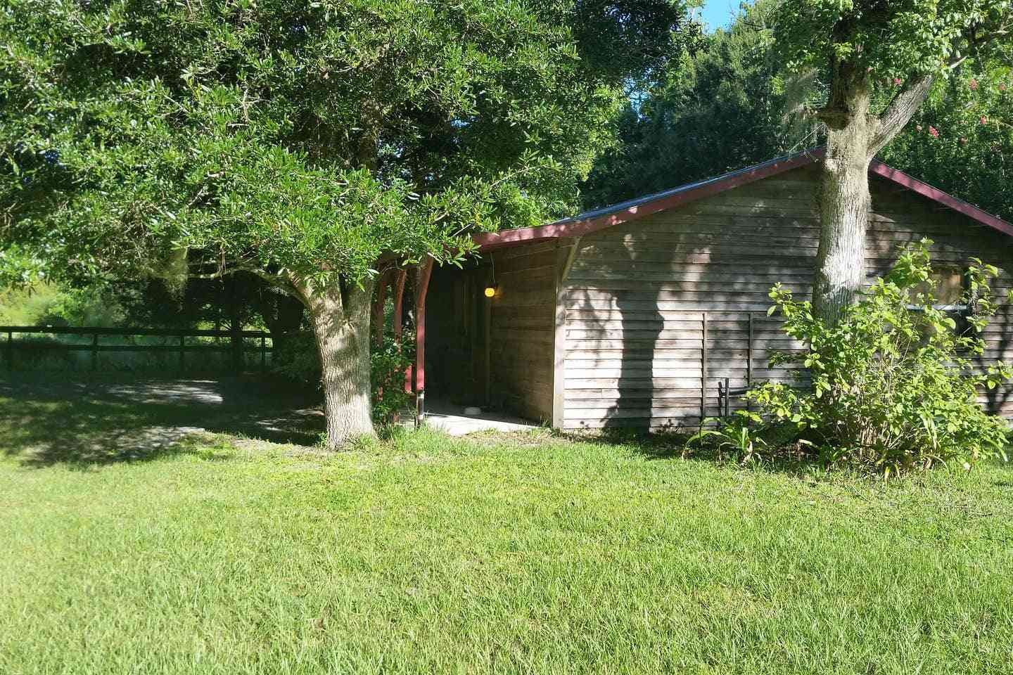 Two-Bedroom Cabin Near Gainesville