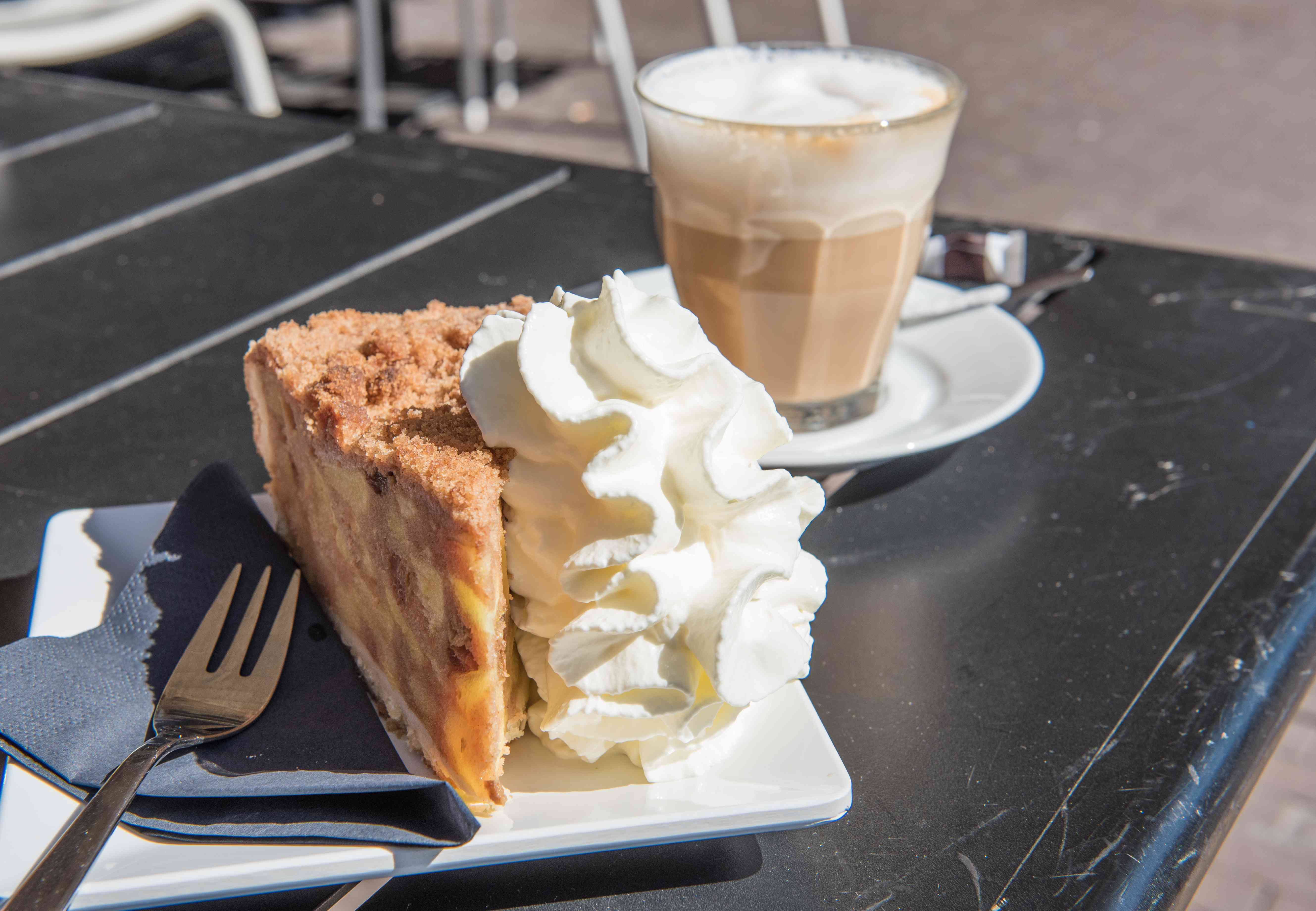 Apple pie and latte