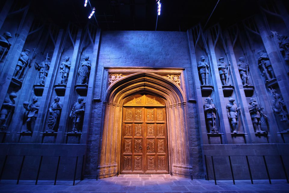 Doors to Hogwarts begin the tour