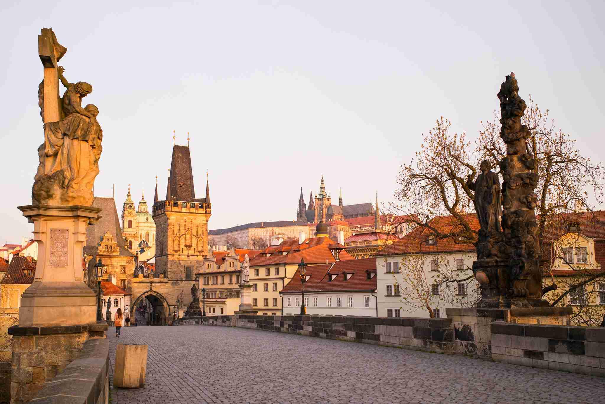 Praga en el sol de la mañana