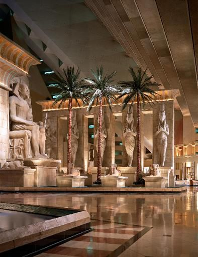Lobby Pictures Of The Luxor Hotel
