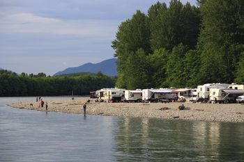 Find Cheap Places to Park Your RV
