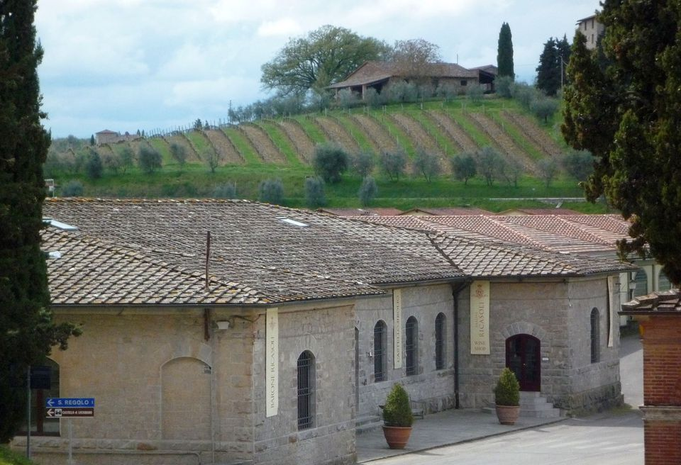 tuscany winery photo