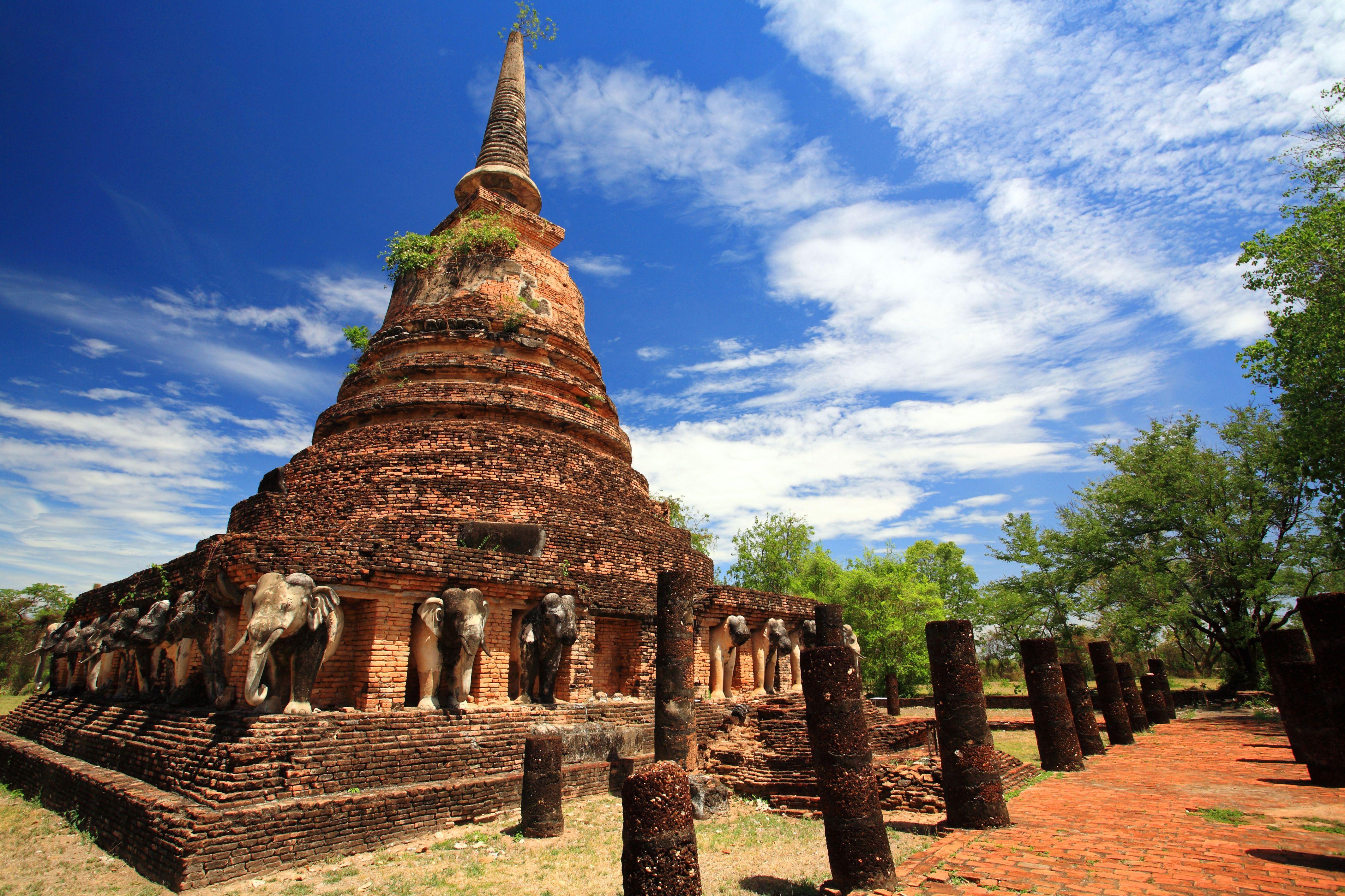 Wat Chang Lom at Sukhothai in Thailand