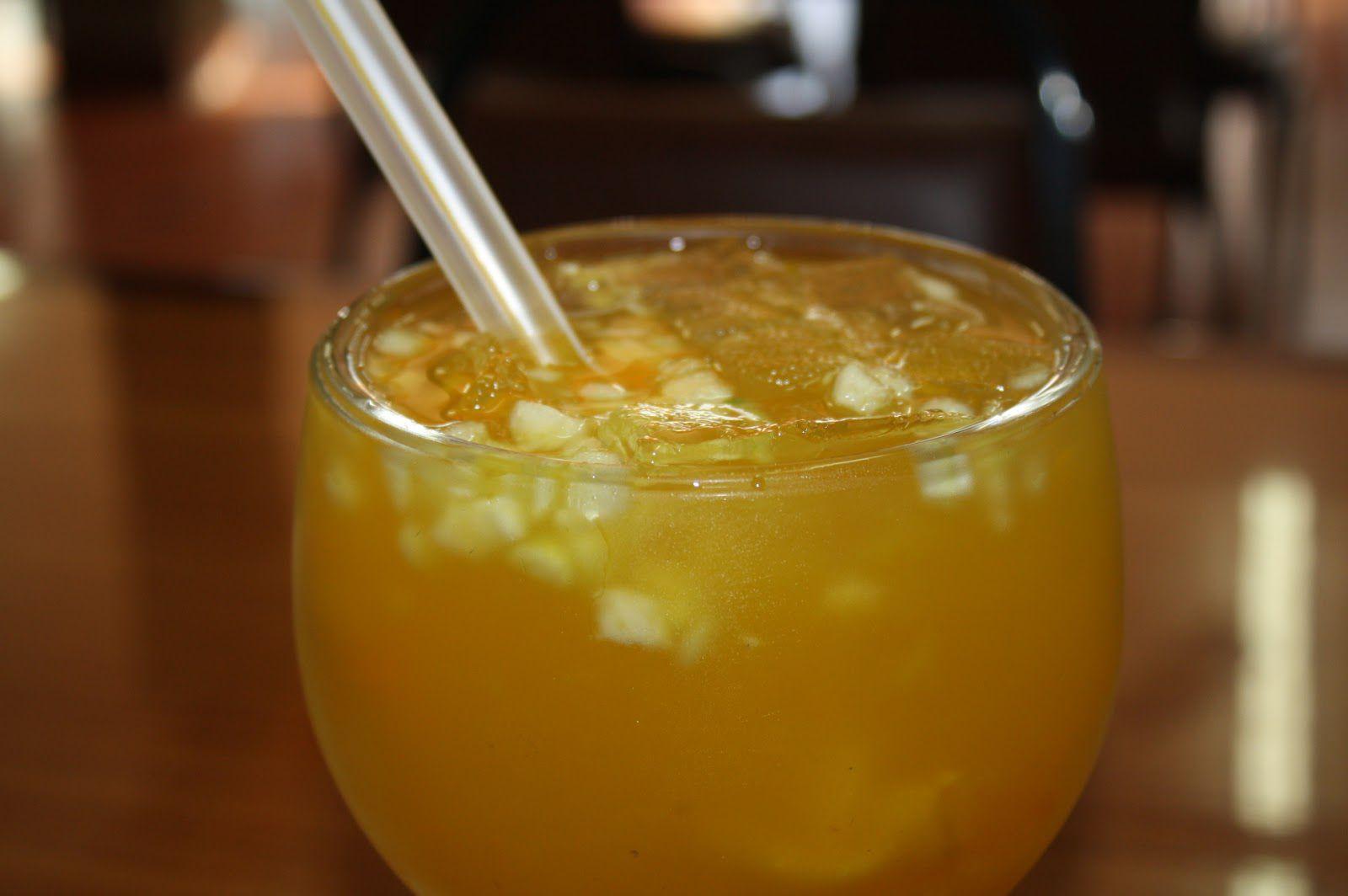 Ensalada el salvador fruit drink