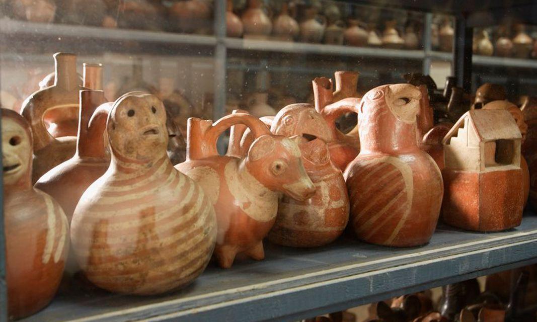 Cerámica en exhibición en el Museo Larco