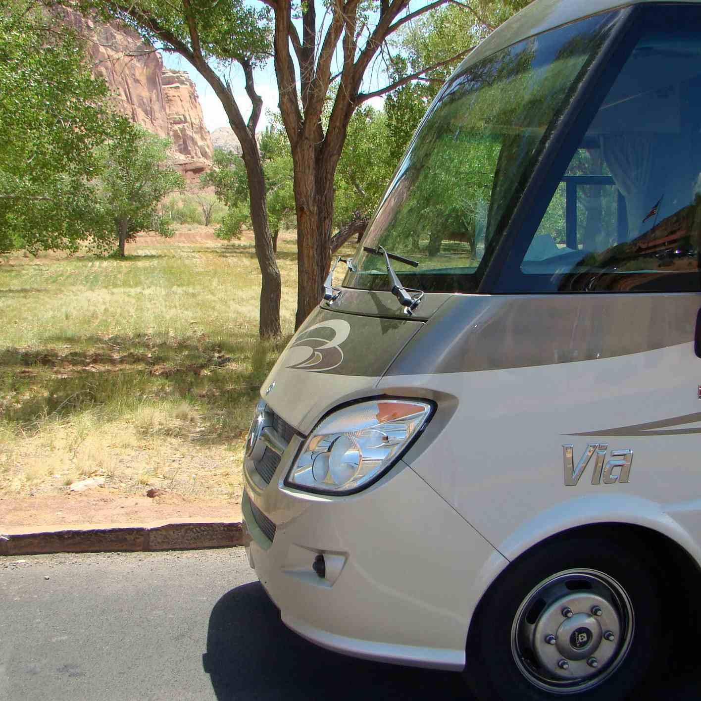 Motorhome Test Drive Review of the Winnebago Via 25Q