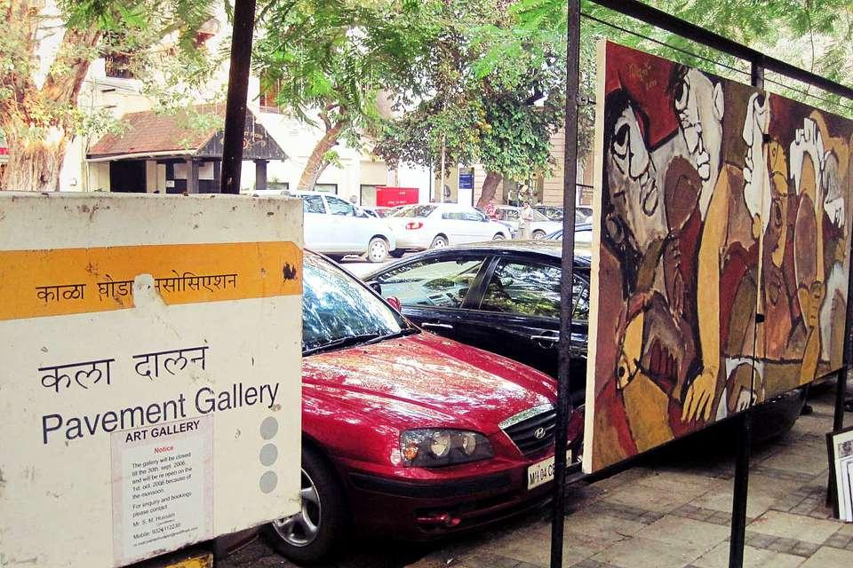 Kala Ghoda pavement gallery, Mumbai.
