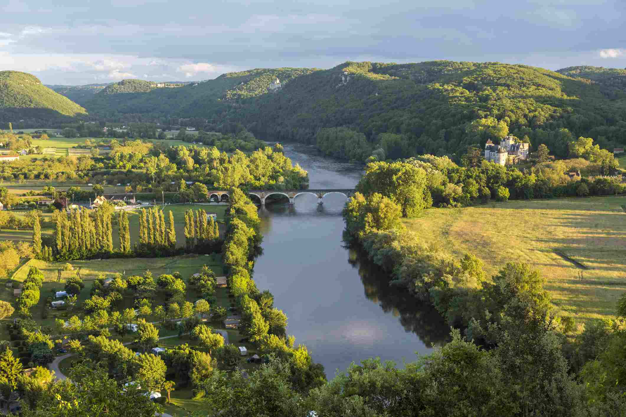 France, Dordogne, Beynac, Beynac-et-Cazenac, View over Dordogne River