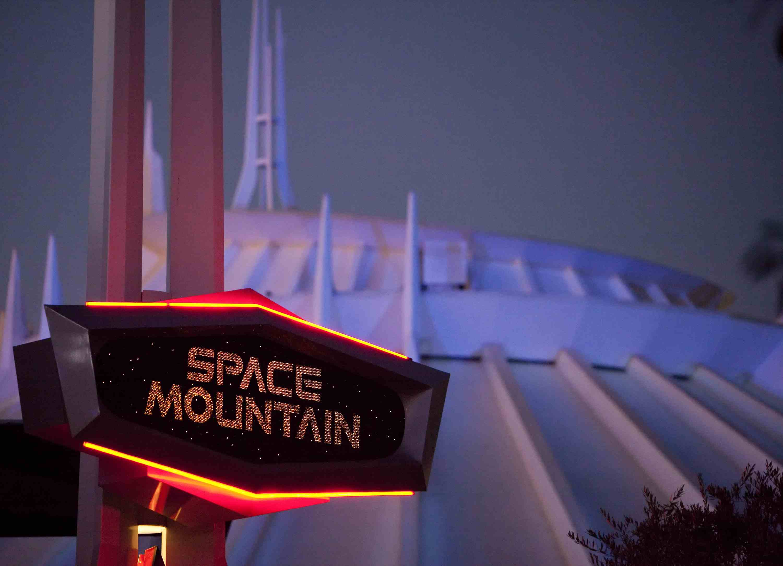 Space-Mountain.jpg