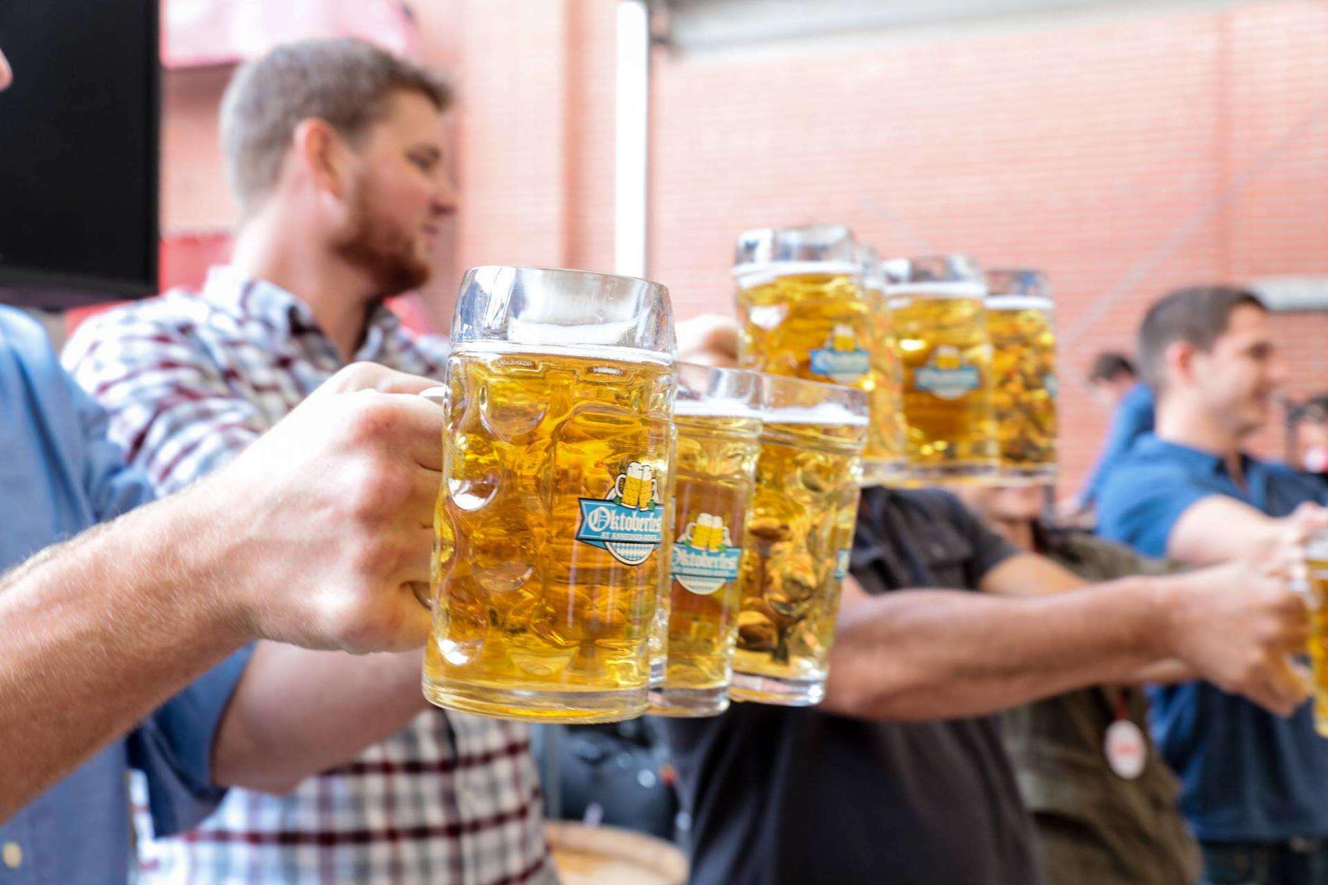 Oktoberfest Anheuser-Busch Biergarten