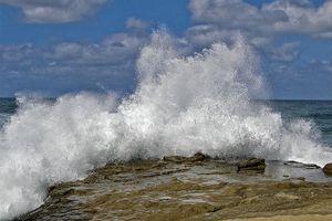 Crashing Waves on the La Jolla Coast