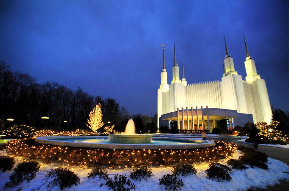 Washington D.C. Mormon Temple Christmas lights