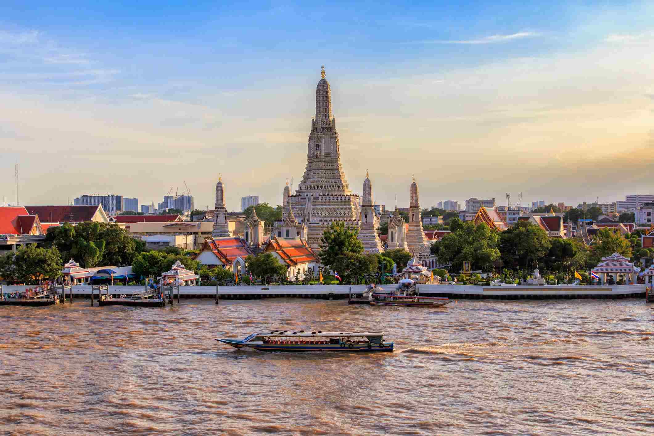 Wat Arun in Bangkok City, Thailand