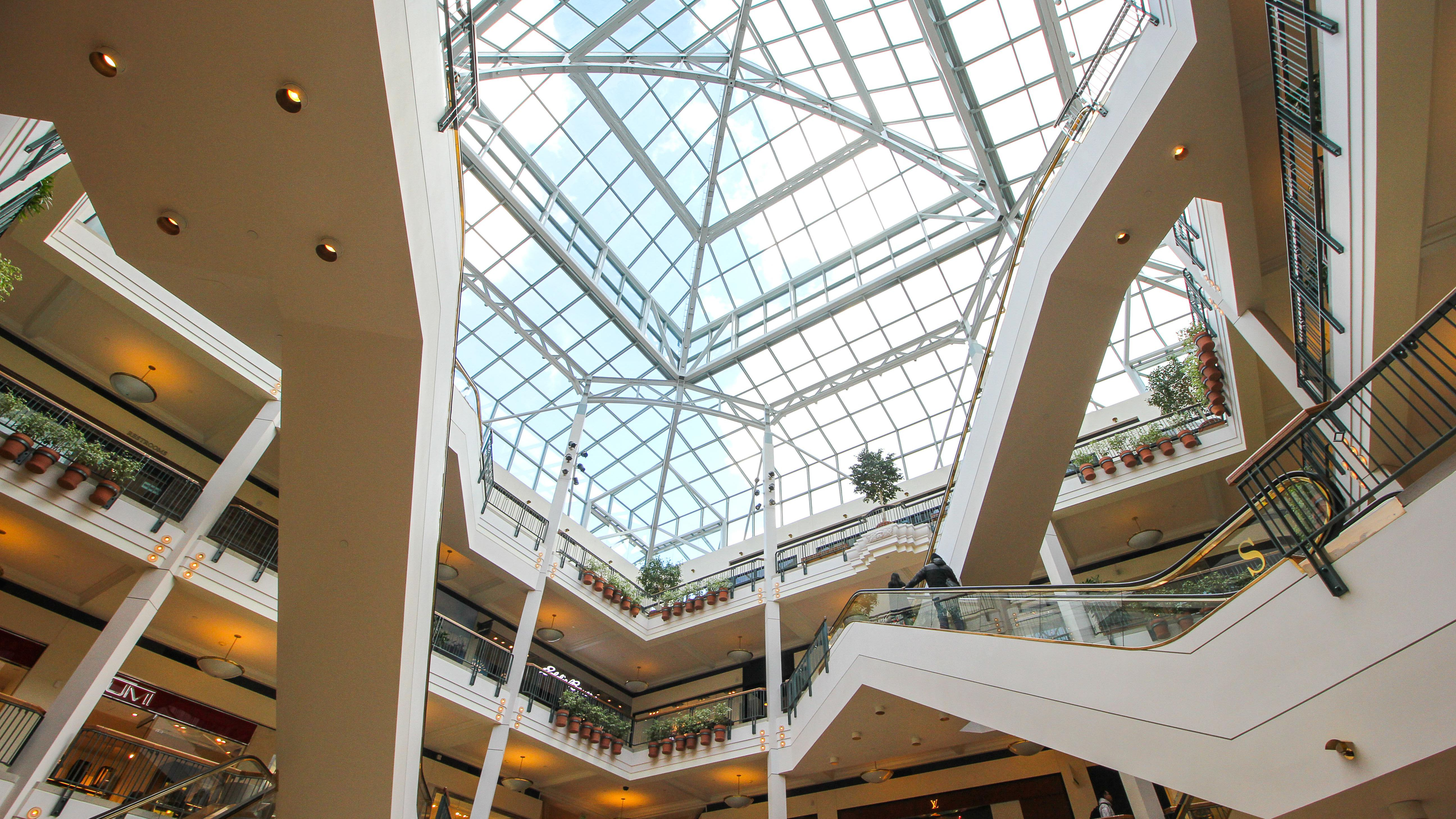 Where Can I Find Shopping Malls in Portland Oregon?