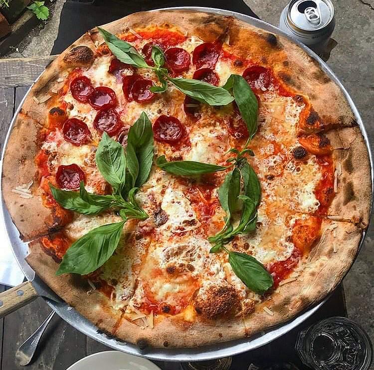 Lucali Miami Beach pizza