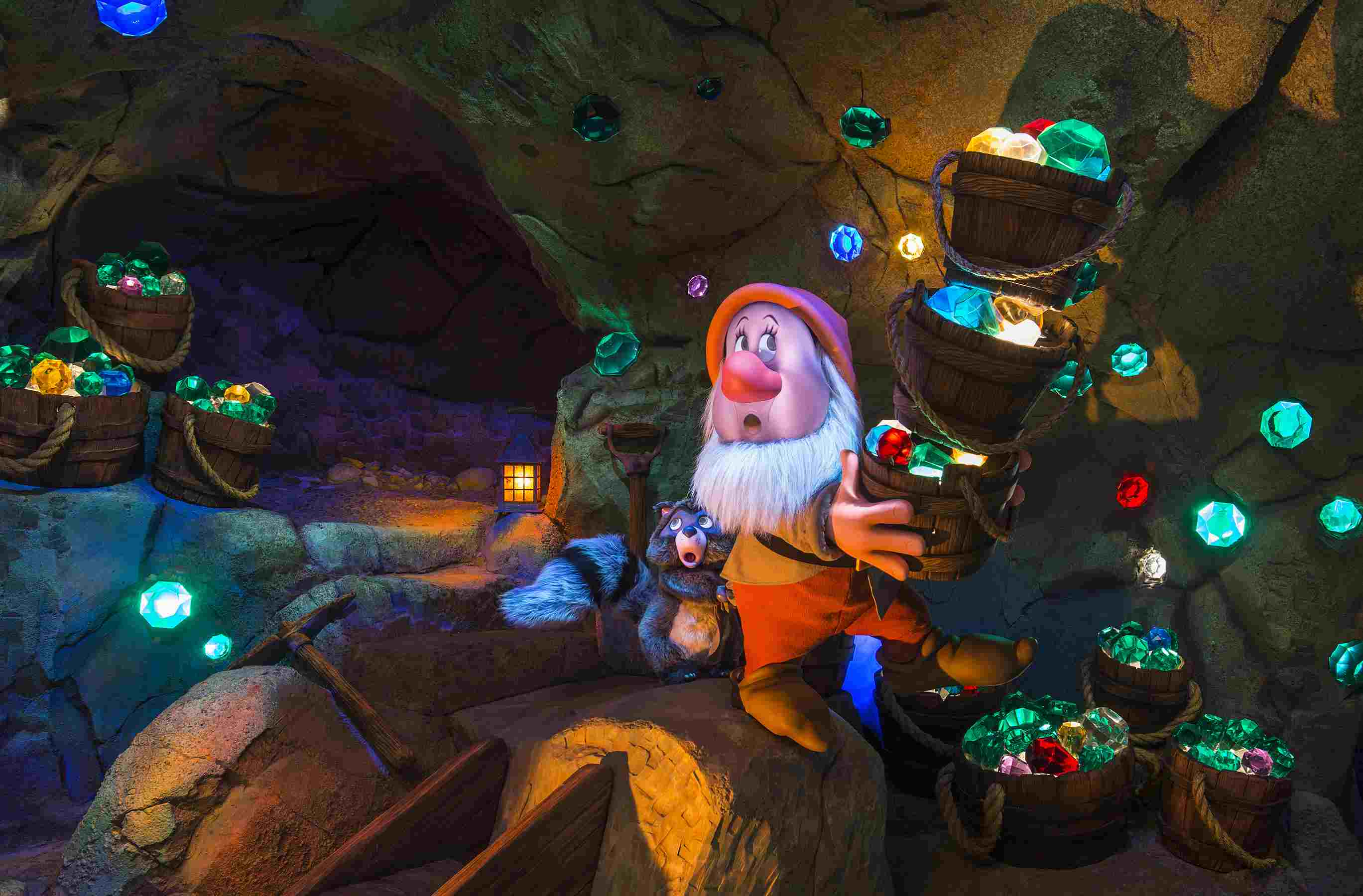7 Cool Features of the Seven Dwarfs Mine Train Ride