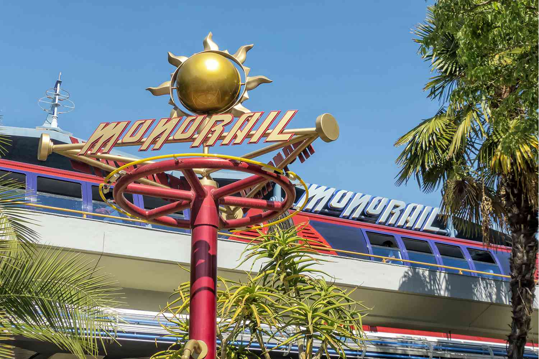 Monorriel de Disneyland en Tomorrowland