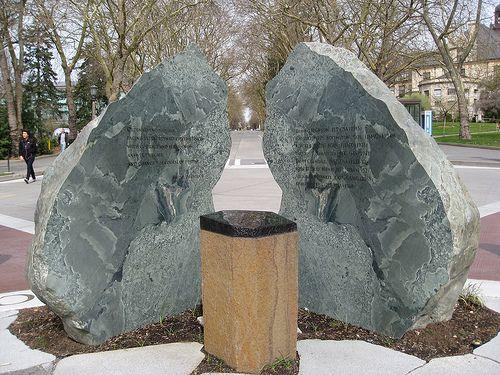 UW Medal of Honor Memorial