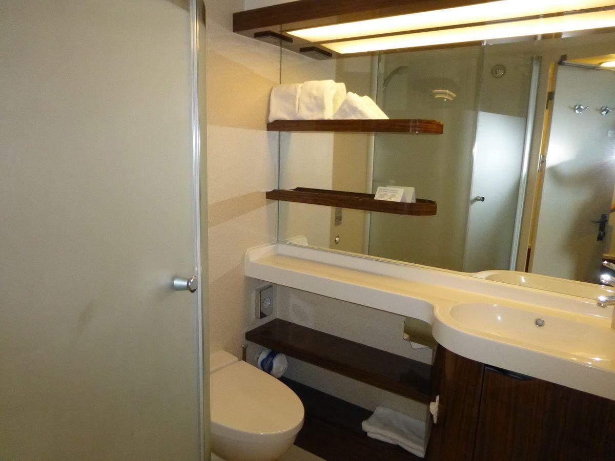 Norwegian Breakaway Aft-Facing Balcony Cabin Bathroom