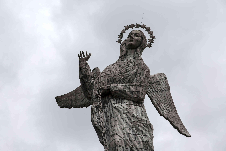 La Virgin del Panecillo Virgin Mary Statue